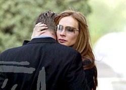 Кора и Ральф на похоронах матери Ральфа Элизабет 25 апреля 2003 года